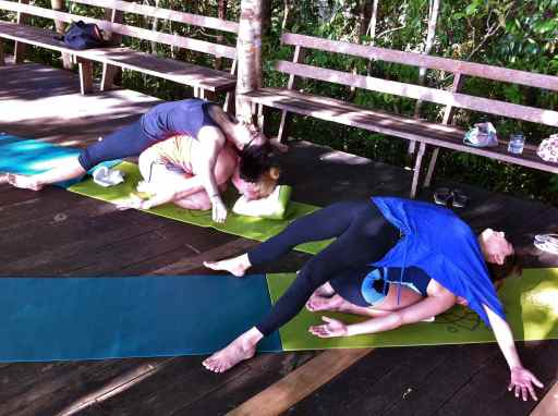 partner yoga19