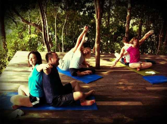 yoga class-partner yoga1