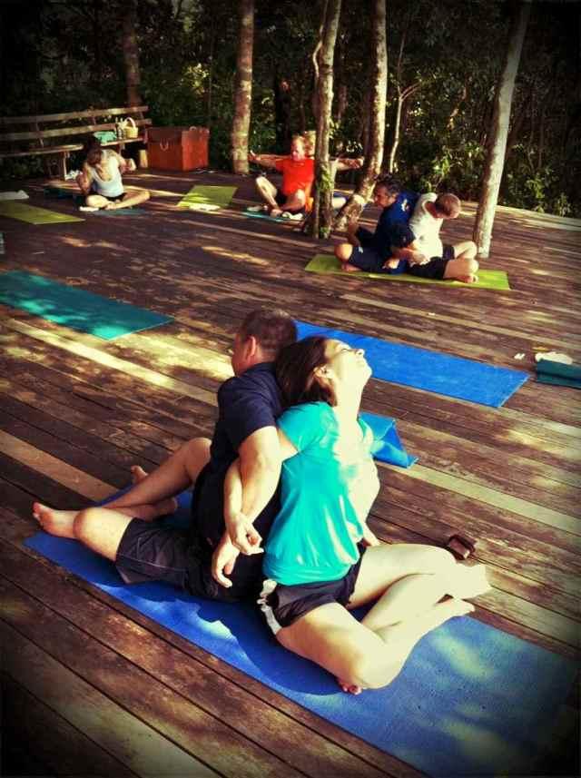 yoga class-partner yoga10