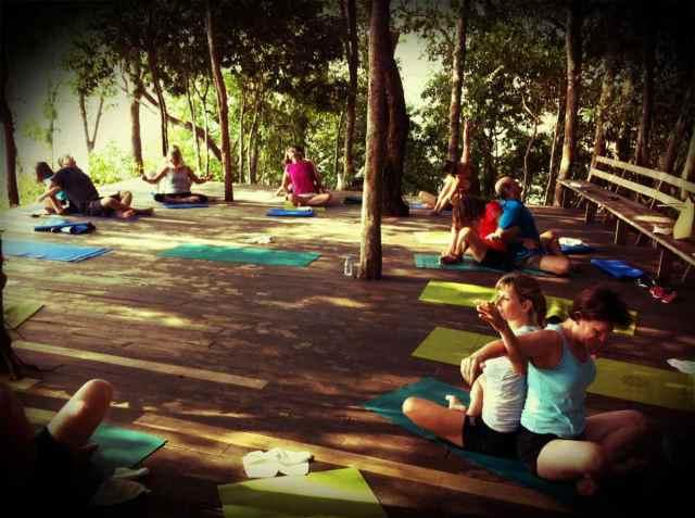 yoga class-partner yoga5