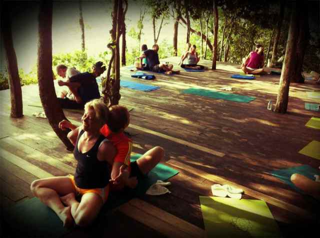 yoga class-partner yoga6