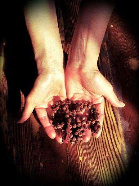 mala in hands@YG1