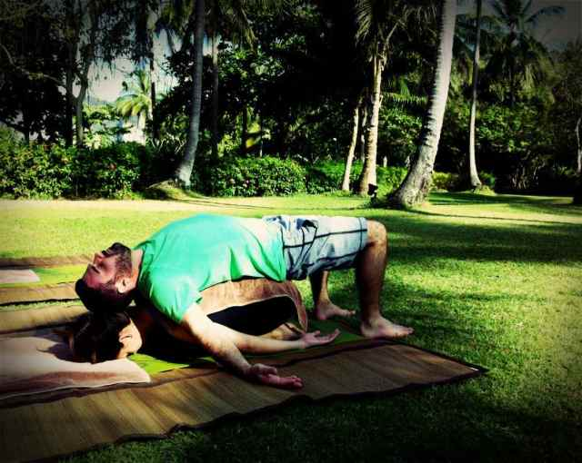 partner yoga-Jess+Mike Todd2