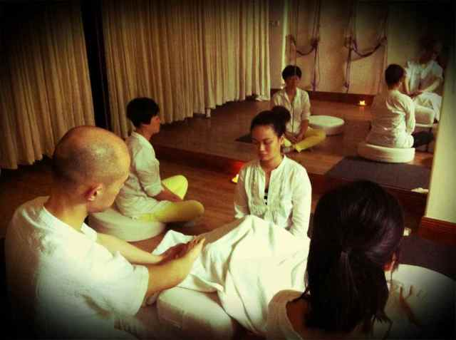 Reiki2@CQ-group healing6