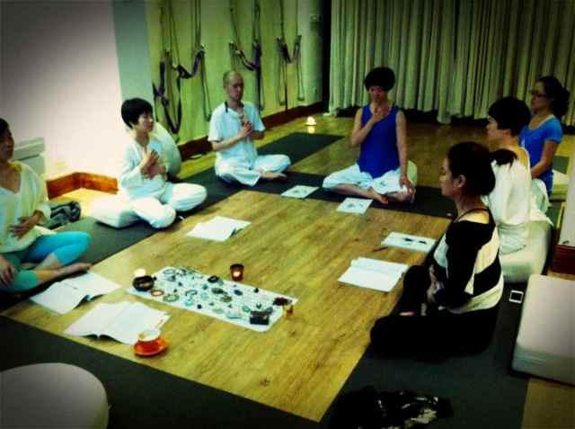 Reiki2@CQ-meditation5