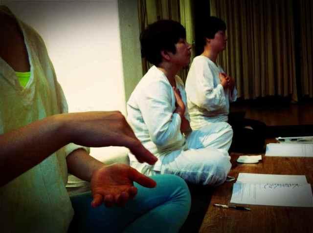 Reiki2@CQ-meditation6
