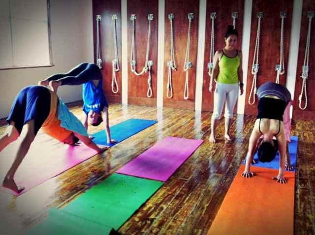 Partner Yoga@YG-8:24-1
