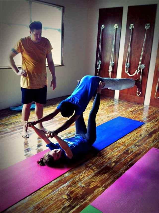 Partner Yoga@YG-8:24-11