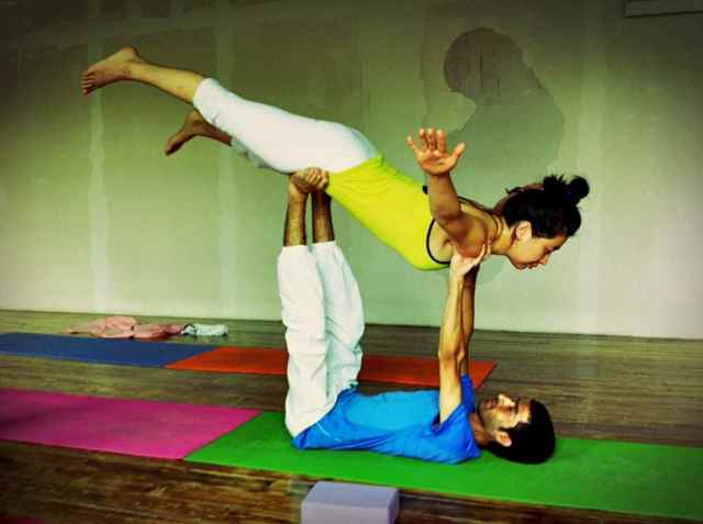 Partner Yoga@YG-8:24-7