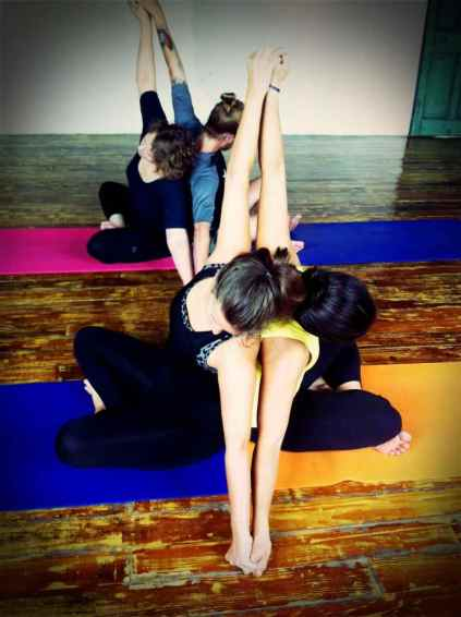 Partner Yoga@YG-8:9-17