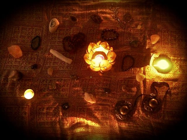 11:15-Meng's salon-crystals2