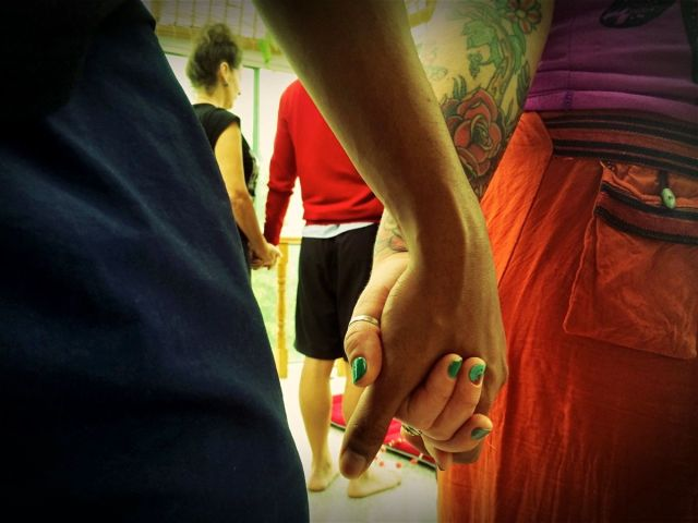 Moganshan 5:2015-holdin hands6